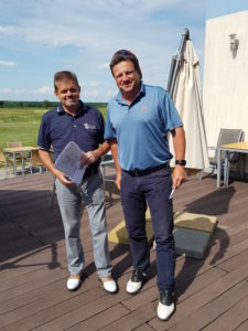 Organizátor Czech PGA Senior Tour Oldřich Nechanický a druhý Petr Štrougal